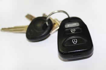 car-key-842106_640