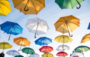 umbrellas-1281751_640